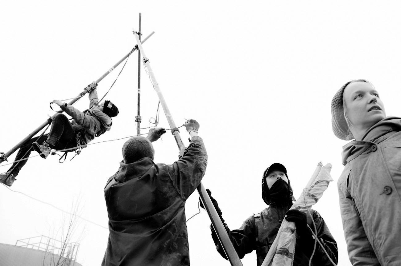 Bogen/BY – 09.03.13 Tierschützer blockieren Wiesenhof Schlachtfabrik