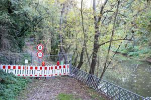 Rad- und Fußweg futsch: gesperrt kurz hinter der Schwanenbrücke