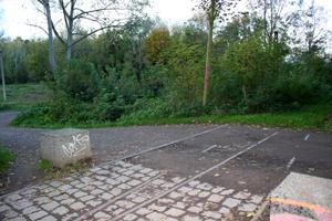 gefährliches Abbiegen: Radweg Hafenbahntrasse endet an blank liegenden Gleisen