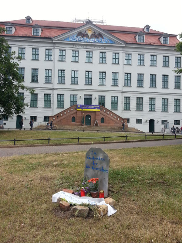 Das Grab am Franckeplatz #dietotenkommen