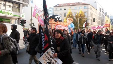 Hallenser Teilnehmer_Innen an der TTIP-Demo in Berlin