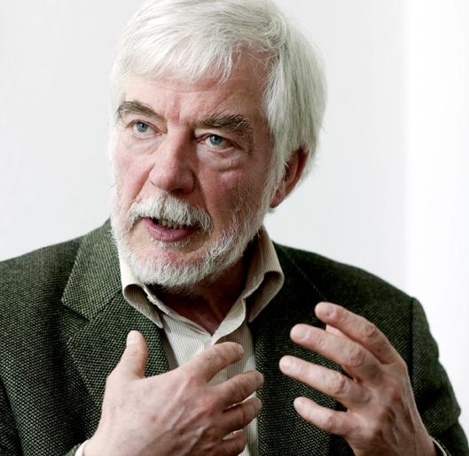 Dr. Hans-Joachim Maaz, Psychiater und Psychoanalytiker, aufgenommen in ...