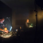 Xent­os 'Fray' Bent­os (GB) und Ralf Wendt (D) beim Inter­na­tio­na­len Radio­kunst­fes­ti­val