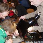 Helden im Blaumann - Ein Besuch im Repair Café