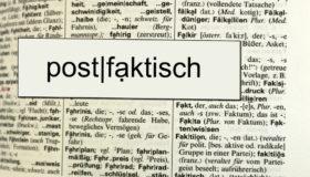 postfaktisch_EstherStosch_pixelio900