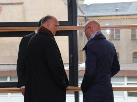 Bernd Wiegand (re) mit seinen Verteidigern Foto: (c) Felix Knothe