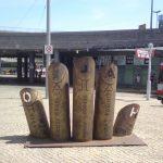 Gibt es schlechte Kunst? Gedanken zur Hallo-Hand Skulptur am Riebeckplatz