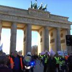 Bunte Westen stehen auf - für Frieden und soziale Gerechtigkeit