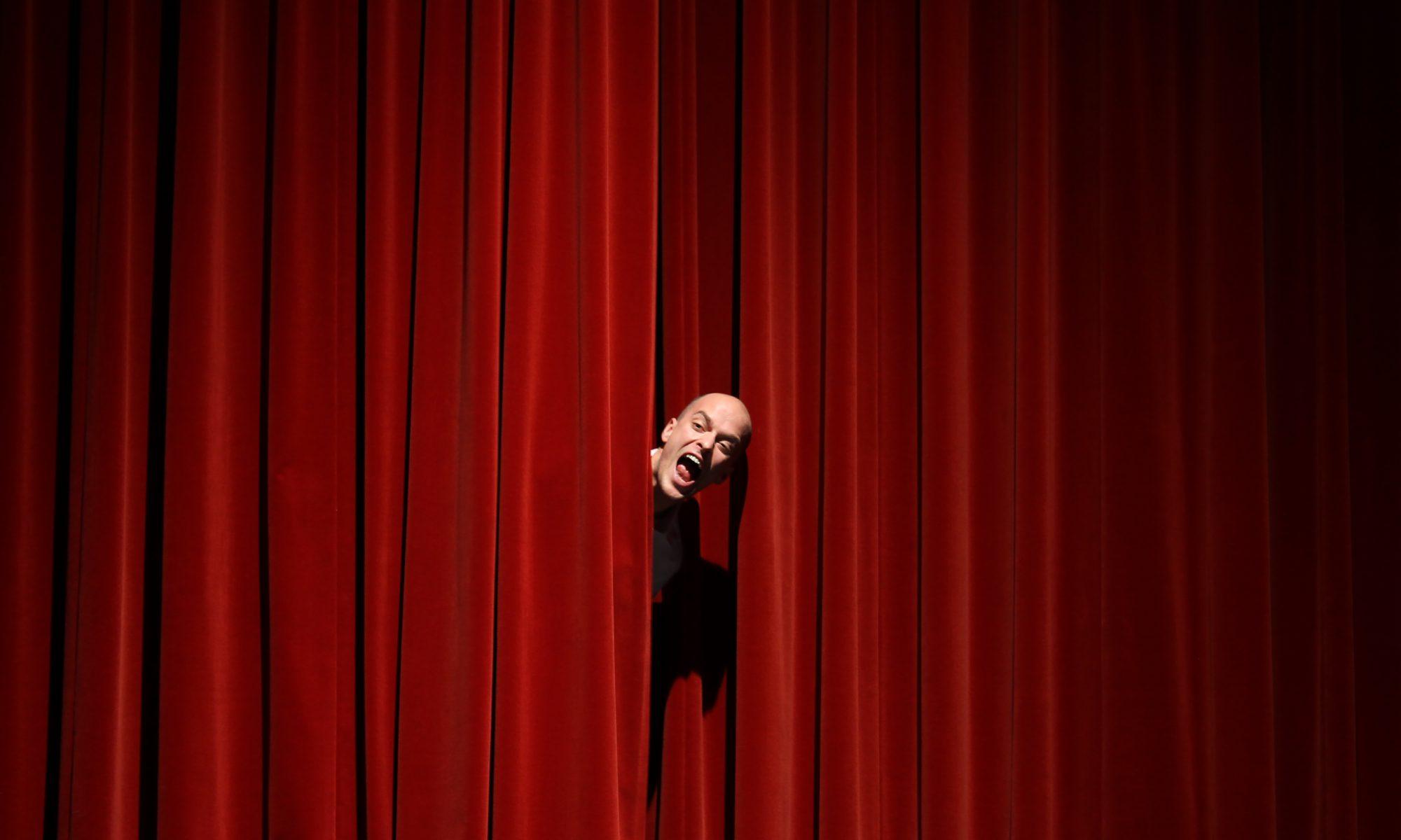 Jonas Schütte in seinem Zimmertheater