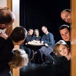 """Theater: """"Tür auf, Tür zu"""" am Kaulenberg 1"""