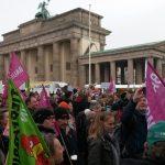 Berlin: 27000 Menschen, 150 Traktoren und die zehnte Demo - Wir haben es satt !